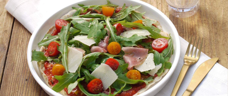 Pfannenpizza mit frischem gesundem Topping von ELBCUISINE