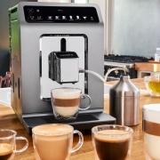 Evidence Plus Kaffee Tassen Tisch