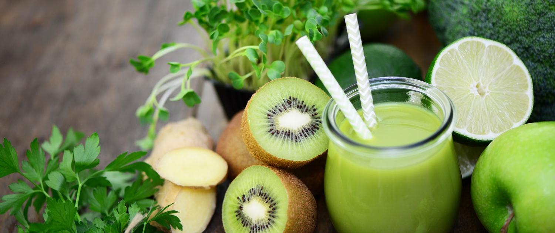 Grüne Smoothies Kiwi Strohalm