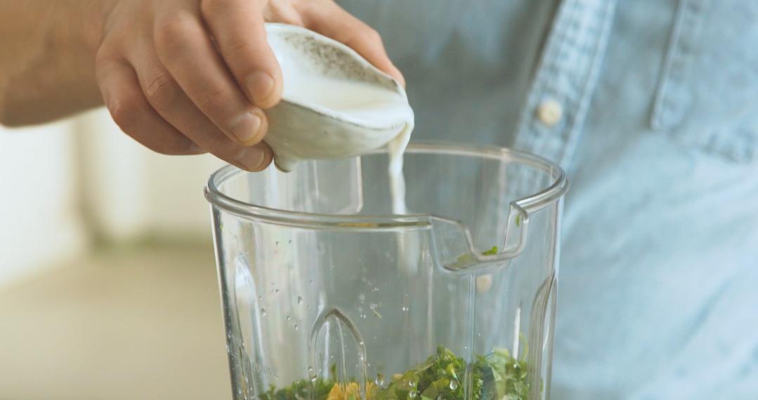 Grüne Sauce Mixer