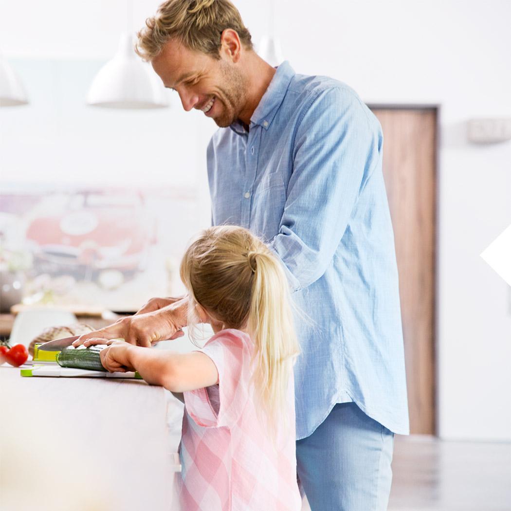 Kochen mit Kindern Vater Tochter