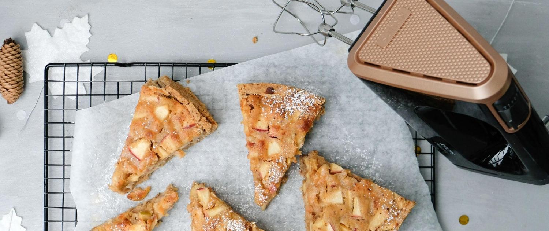 Saftiger Apfel-Marzipan-Kuchen von Bine Güllich