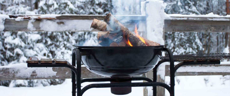 Wintergrillen Holz Feuer