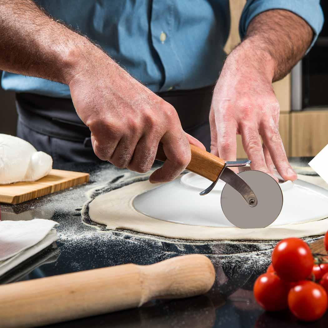 Pizza Rezepte Pizza schneiden