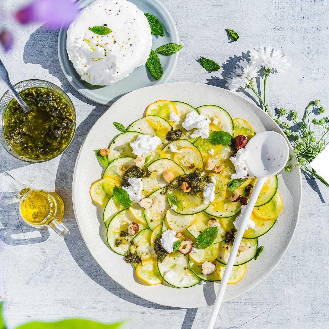 Saisonal Juli Zucchini