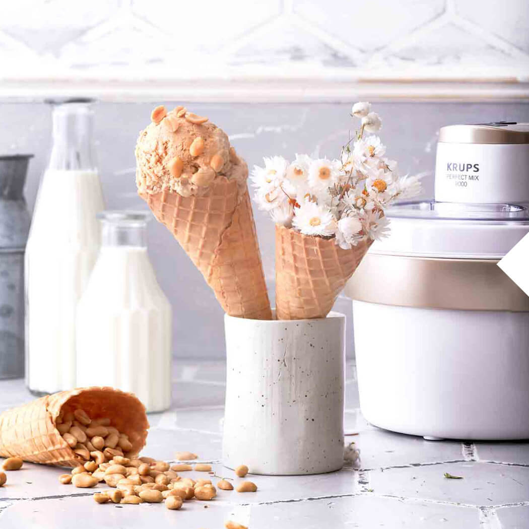 Eiscreme Erdnüsse
