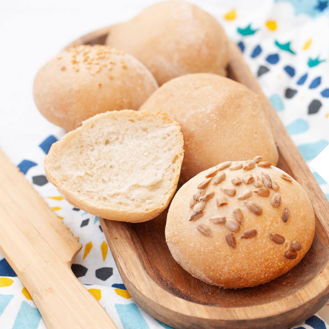Brot backen mit Brotbackautomat Brötchen Körner