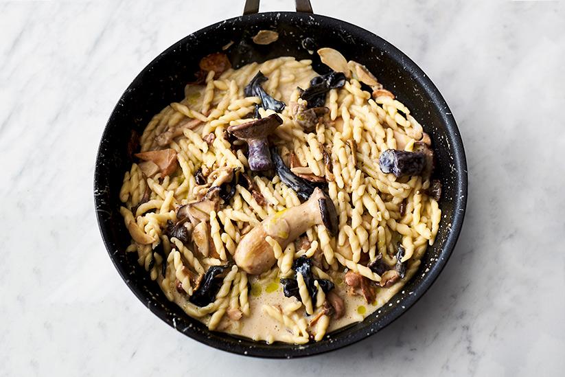 Jamie Oliver Kochbuch 5 Zutaten Pasta mit Pilzen und Knoblauch